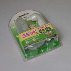 Ear thermometer clamshell packaging