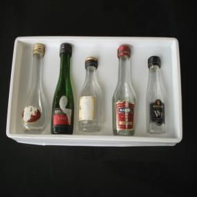 Wine-bottle blister tray